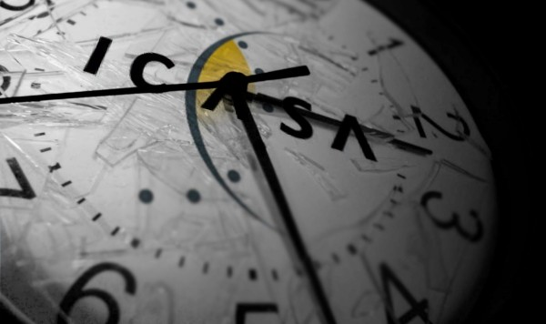 ICASA-Broken-Clock